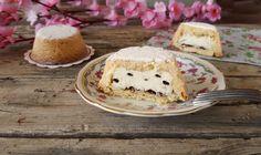 Oggi un dolce semplice e golosissimo. Le CASSATINE AL FORNO sono dei simpatici gusci di pasta frolla ripieni di ricotta e gocce di cioccolato.
