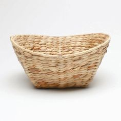 I found some baskets like this at goodwill yesterday so we will have them to put forks, spoons, garlic bread, etc in!