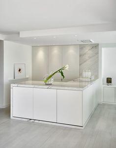 Apartamento minimalista no glamour de Cannes (Foto: Nicolas Dubreuil/Divulgação)
