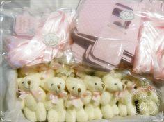 💜Capricho e carinho para princesinha Manuela💜  Ursinho chaveiro! Fofinho, cheiroso, delicado e personalizado!  Você pode encomendar pelo nosso site e receber na sua casa!  👉http://bit.ly/Ursinhocomcaixapersonalizada  Tire suas dúvidas pelos whatsapp 11984635747          #gestante #gravidez #baby #maternidade #bebe #mamae #maedemenina #maedemenino #instababy #mae #gestacao #gestação #bebê #lembrancinha #gravidas #gestantes #instamamae #lembrancinhapersonalizada #nascimento #instabebe…