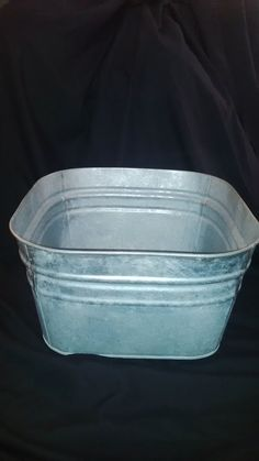Galvanized Ice Tub Tub, Wedding Ideas, Drink, Party, Food, Bathtubs, Beverage, Essen, Parties