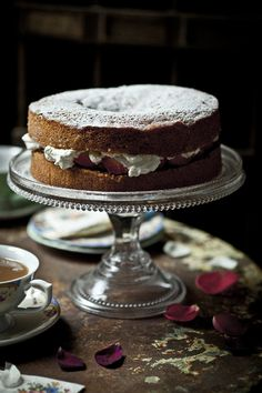 victoria sponge cake with jam filling via baba ganuj: a lovely thing.