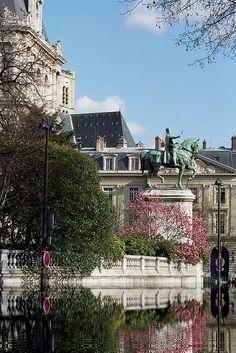 Paris Printemps Hôtel de Ville Filtre eau