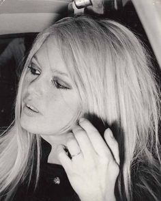 Miss Brigitte Bardot : Photos Brigitte Bardot, Bb Style, And God Created Woman, French Actress, Blonde Beauty, French Fashion, Woman Quotes, Celebrity Photos, Candid