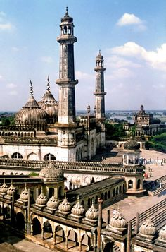 (via Bara Imambara, a photo from Uttar Pradesh, North Amazing Places In India, Incredible India, Beautiful World, Beautiful Places, India Architecture, India Facts, North India, India And Pakistan, Historical Monuments