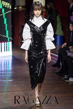 69b563738eb3 Подиумная Мода, Модный Показ, Осенняя Мода, Парижская Мода, Высокая Мода,  Мода