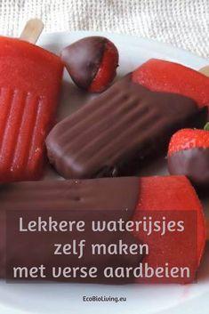 Gezonde ijsjes maken van verse aardbeien - met chocoladelaagje #ijsjes #aardbeien