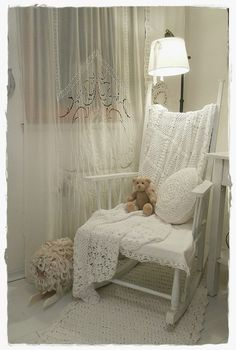 "Shabby Chic for the corner in the master bedroom..... Follow Vintage https://www.pinterest.com/lyndanna/vintage/ .......Get Your Free Course ""Viral Images for Pinterest"" Now at: CashForBloggers.com"