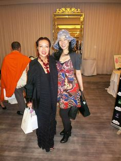 SUE WONG AND CELEBRITIES AT THE MTV AWARDS GIFTING SUITE. Sue Wong with #FreshOffTheBoat star May Wang. #suewongfashion #suewong #beauty #magic #transformation #MTV #MTVMovieAwards #redcarpet #MTVNews #MTVNetworks #secretroomevents #giftingsuite #YoungHollywood