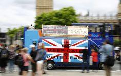 在台灣時間2016年6月24日下午一點,全球矚目的英國脫歐公投的結果出爐,「脫歐派」以52%的得票率,勝過48%的「留歐派」,英國民意已正式向世界宣告將與歐盟分手。一對曾經相愛的情侶如何走向分歧之路?在「再見歐盟」的宣告之後,英國又將何去何從?請看關鍵評論網為你準備的第一手精選分析。
