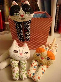 おてんば猫ちゃんの作り方|その他|ぬいぐるみ・人形 | アトリエ|手芸レシピ16,000件!みんなで作る手芸やハンドメイド作品、雑貨の作り方ポータル --------------- TUTORIAL / FREE PATTERN