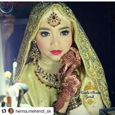 #follow@hennafamily #hennafamily #Repost @henna.mehendi_sk  By @laalamaghfiroh #pretty #mehendi #mehendidesign #mehendiart #henna #hennadesign #hennaart #hennatattoo #beautiful #wedding #functions #events #art #tattoo #color #mehendiinspire #hennainspire  #blackmehendi  #instaart #bodyart #hennalove #mehendilove #arabichenna #arabicmehendi #tagsforlikes#girls