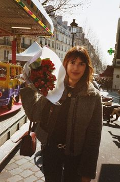 Looks like a good day. Rouje Jeanne Damas, T 62, French Chic, French Style, Jane Birkin, French Girls, Parisian Chic, Vogue, French Fashion