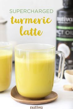 MCT Turmeric Latte An energy-boosting, keto-friendly latte that will power you throughout the day! #latte #mct #mctoil #turmeric #keto #ketogenic