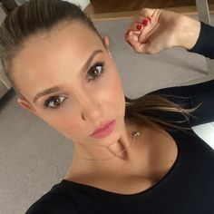 Sophie Hermann Shares Her Makeup & Beauty Secrets - Celebrity Style, Fashion Trends, Beauty and Makeup tips Beauty Advice, My Beauty, Beauty Secrets, Beauty Makeup, Beauty Hacks, Hair Beauty, Clinique Moisturizer, Tinted Moisturizer, Skin Makeup