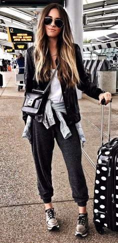 travel outfit comfy street fashion