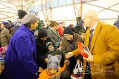 Peste 300 de copii din Pogoanele au primit cadouri de Moș Crăciun din partea Consiliului Județean - https://goo.gl/athzDa