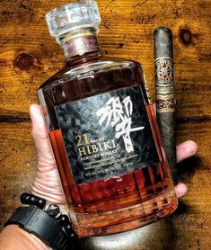 Looks like a vacation Good Cigars, Cigars And Whiskey, Pipes And Cigars, Scotch Whiskey, Bourbon Whiskey, Whiskey Bottle, Suntory Whisky, Cigars And Women, Japanese Whisky