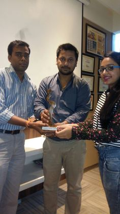 PRESENTATION- Success isn't achieved without few helping hands.  A vote of thanks to all these wonderful people. Memento presented by INGaA{DISHA JAIN} to senior officials of dainik bhasker bhopal. CALL-0755-4272687,09752162785 WWW.INGAA.IN