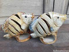 Pareja de peces en cerámica gres vidriada forma de quemador Piggy Bank, Handmade, Tea Sets, Shapes, Porcelain Ceramics, Couples, Hand Made, Money Box, Money Bank