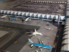 No Point Airport - Diorama Airport BKK (Bangkok) series 'look-a-like'. Terminal - Concourse C Lego City Airport, Bangkok, Plane, Models, Building, Kids, Airports, Dioramas, Bricolage