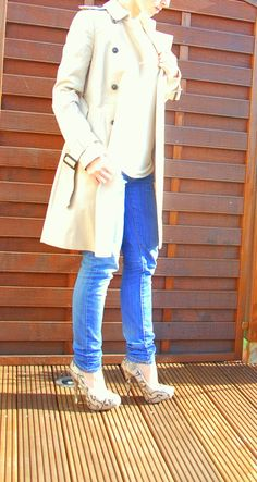 Trench Coat by Zara, Blue Jeans by Mango, Top by Zara and Pumps by Atmosphere