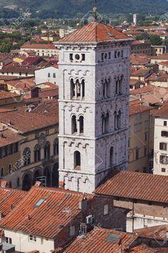http://it.123rf.com/photo_52565196_vista-aerea-dalla-torre-dell-orologio-di-lucca-toscana-italia.html