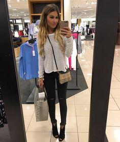 Wife & Mommy to 2 darlings 💕  LA->UT->📍IN  Fashion | Beauty lover  Snap 👻: holliewdwrd  💌 holliewdwrd@gmail.com  Shop my Insta feed ⬇️