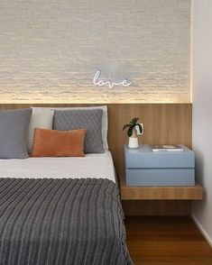 [New] The 10 Best Home Decor Today (with Pictures) Modern Bedroom Design, Home Room Design, Master Bedroom Design, Home Bedroom, Bedroom Wall, Bedroom Furniture, Bedroom Decor, Suites, Dream Decor