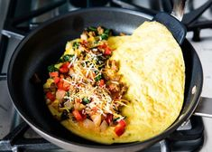 All of the tips and tricks you need to make the perfect omelette! Soft, fluffy and super customizable. Add your favorite ingredients like veggies, meat or cheese and you'll have the best omelette ready in no time. Best Omelette, Fish Recipes, Beef Recipes, Healthy Recipes, Asian Recipes, Healthy Food, How To Make Omelette, Restaurants