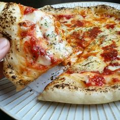 "Simple recipe for ""pizza dough"" to be made without fermentation! From fluffy to crispy-macaroni – Pizza Ideas Just Pizza, How To Make Pizza, Asian Recipes, Home Recipes, Ethnic Recipes, Pizza Recipes, Cooking Recipes, Everyday Food, Pizza Dough"