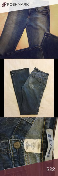"☘️GAP Jeans (LONGS)☘️ Ultra low rise stretch, size 6 long. 8"" rise, 35"" inseam. Soon to be your next favorite go-to pair of comfy jeans! GAP Jeans Boot Cut"