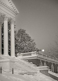 UVA - Moonset on the Rotunda_MAR3901