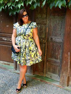 VÍSTETE QUE VIENEN CURVAS: Florecilla del Campo · Outfit