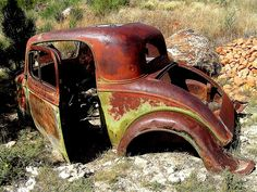 rusty old cars Vintage Cars, Antique Cars, Junkyard Cars, Abandoned Cars, Abandoned Vehicles, Rust In Peace, Train Truck, Rusty Cars, Car Pictures