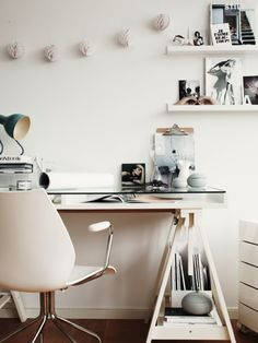 Office space inspiration - one of my favorite desk options.