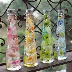 スリムボトルのハーバリウム4色あり(ピンク・イエロー・グリーン・ブルー) Wax Tablet, Flower Drawing Tutorials, Homemade Perfume, Flower Bottle, Floral Vintage, Kids Clothes Sale, Mini Glass Bottles, Kawaii Room, Diy School Supplies