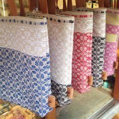 handwoven bags / overshot Loom Weaving, Tapestry Weaving, Hand Weaving, Woven Bags, Weaving Projects, Weaving Patterns, Weaving Techniques, Loom Knitting, Rug Hooking