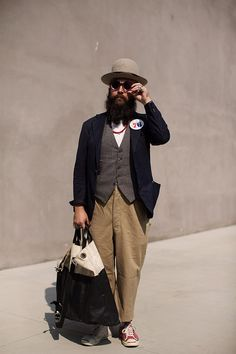 On the Street…Via Olona, Milan « The Sartorialist Men Street, Paris Street, Best Mens Fashion, Milan Fashion Weeks, Suit And Tie, Mens Clothing Styles, Dapper, Autumn Fashion, Fashion Design
