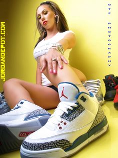 girl, shoes, sexy , air jordan 3 on We Heart It - http://weheartit.com/entry/107926698