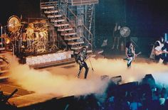 Tour flying V gibson on love gun tour! Kiss Concert, Concert Stage, Paul Stanley, Gene Simmons, Kiss Group, Kiss Members, Kiss Rock Bands, Eric Carr, Vintage Kiss