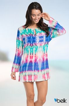 Boasting a comfortable keyhole neckline and side slits, this tunic is ideal for your swim collection! Hit the beach or pool in style with this piece. Cute Dresses, Casual Dresses, Casual Outfits, Florida Outfits, Boho Fashion, Fashion Outfits, Street Chic, Passion For Fashion, Spring Outfits