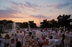 Philadelphia's First Diner en Blanc Debuts, Classiest Pop-Up Picnic to Ever Hit the City