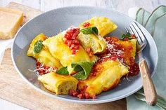 Rigatoni al forno von Cpt_Big_Tony Food And Drink Quiz, Mission Chinese Food, Game Night Food, Diet Recipes, Cooking Recipes, Ketogenic Diet Food List, Food Platters, Cheesecake, Food Lists