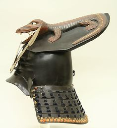 century Japanese helmet via The Metropolitan Museum of Art. Yeah, I think the opposing army will DIE laughing when they see you coming in this. Samurai Helmet, Samurai Weapons, Samurai Armor, Arm Armor, Body Armor, Japanese Warrior, Japanese Sword, Military Armor, Military Hats