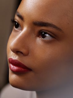 Defined brows and glowing skin - Malaika Firth, backstage at the Burberry Prorsum S/S15 show
