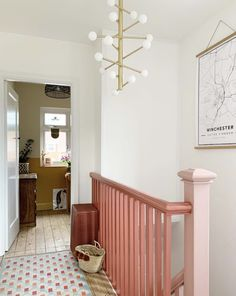 Monday Inspiration: Beautiful Rooms - Mad About The House Pink Hallway, Hallway Paint, Hallway Colours, Entry Hallway, Painted Staircases, Painted Stairs, Monday Inspiration, Interior Inspiration, Hall Colour