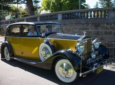 1939 Saloon Cleopatra by Park Ward (chassis Vintage Cars, Antique Cars, Rolls Royce Corniche, Rolls Royce Wraith, Cars Motorcycles, Cool Cars, Super Cars, Classic Cars, Cleopatra