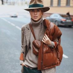 "The ""Fedora"" looks chic & speaks of confidence! Winter Mode Outfits, Winter Outfits, Casual Outfits, Layering Outfits, Street Style Outfits, Looks Street Style, Look Fashion, Fashion Outfits, Womens Fashion"