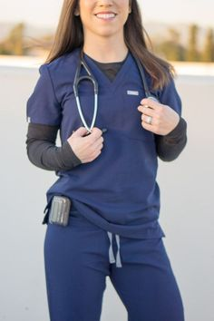 27 Trendy Medical Scrubs For Women Fashion - Health Scrubs Outfit, Scrubs Uniform, Nurse Scrub Outfits, Nurse Aesthetic, Cute Scrubs, Cute Medical Scrubs, Vet Tech Scrubs, Cute Nursing Scrubs, Nursing Clothes